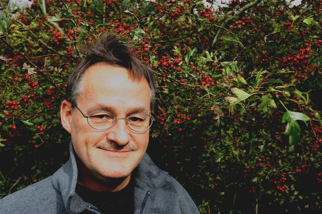 """""""Uno de los poetas más talentosos de Dinamarca"""". Frank Hugus, The Literary Review"""