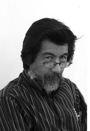 Don Horacio Benavides, alias Dame Plata Tagore.