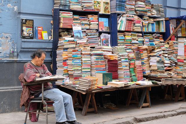 parada-de-libros-viejos-en-lima